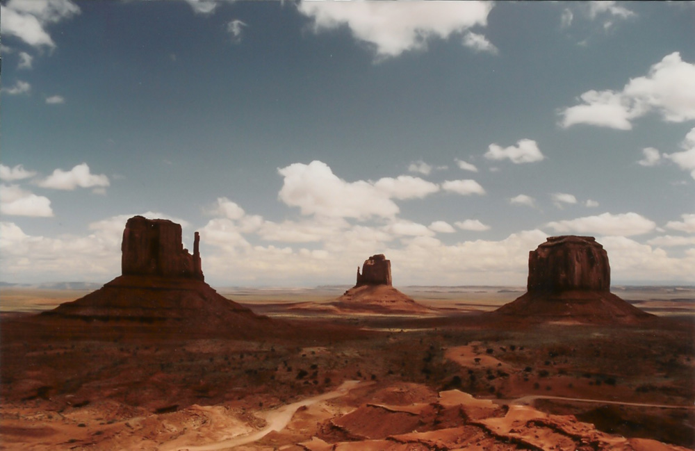 Monument Valley Plateaus Amongst the Desert Vista